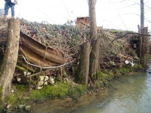 3 mètres de remblais/déchets sur la zone inondable du Grumbach